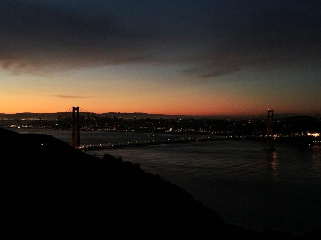 golden gate bridge sunrise