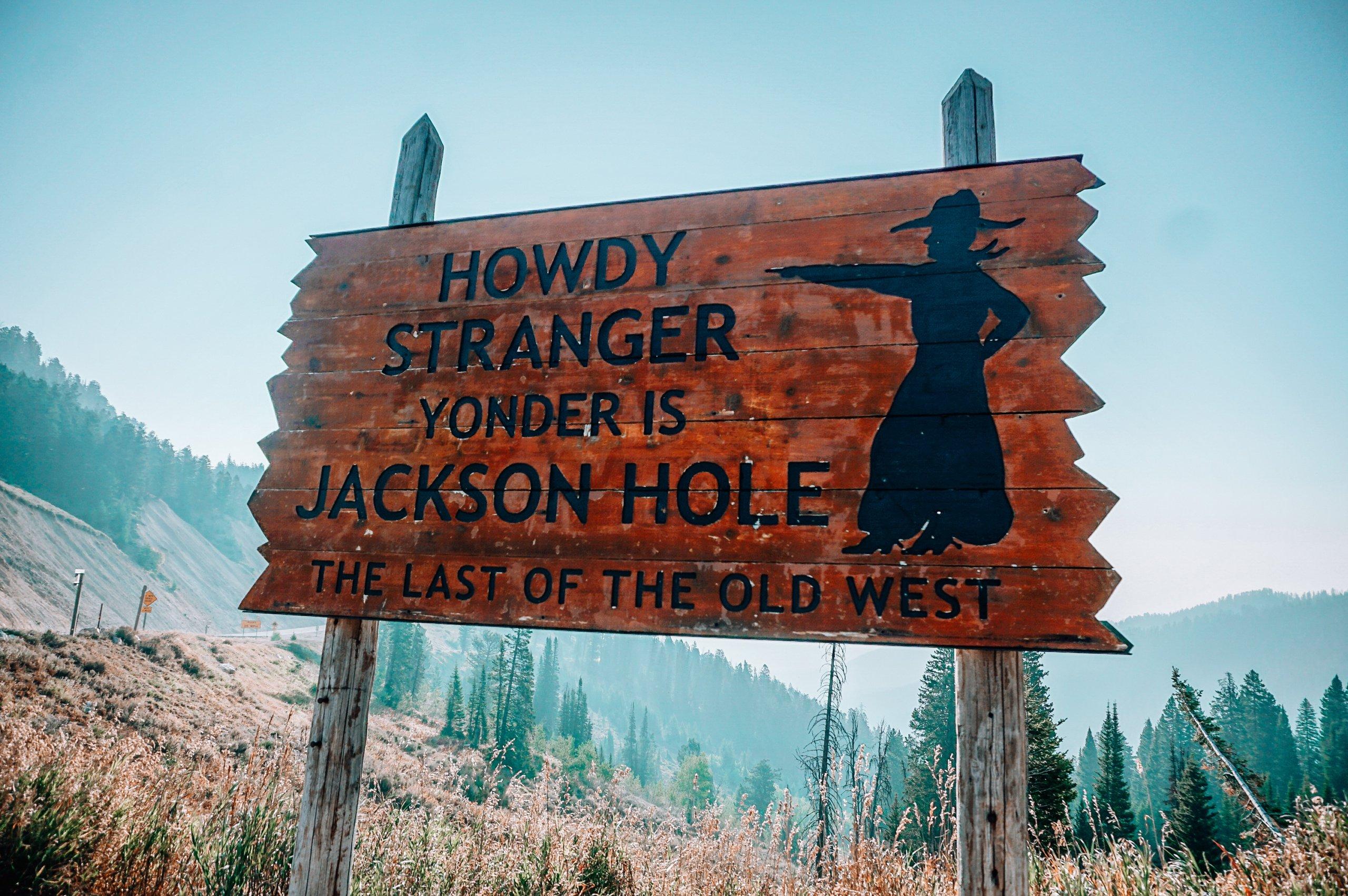 Howdy Stranger Sign Jackson