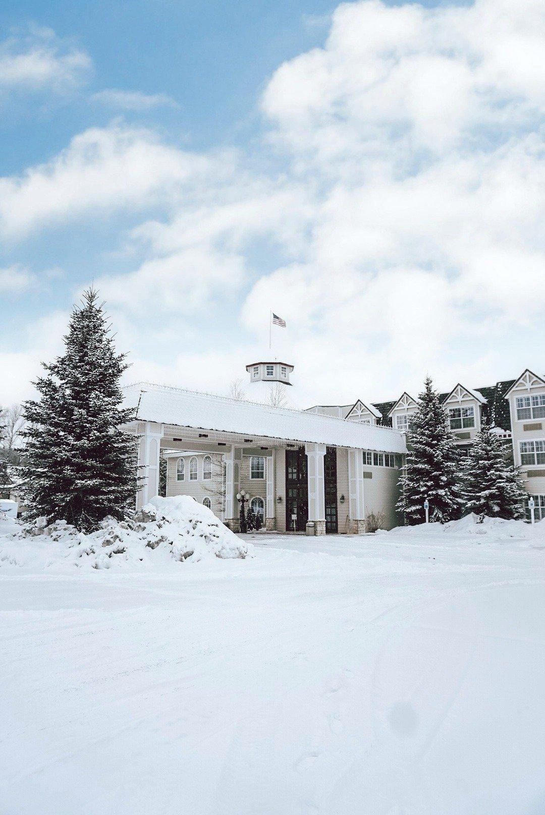 Snow Ashley Inn Winter